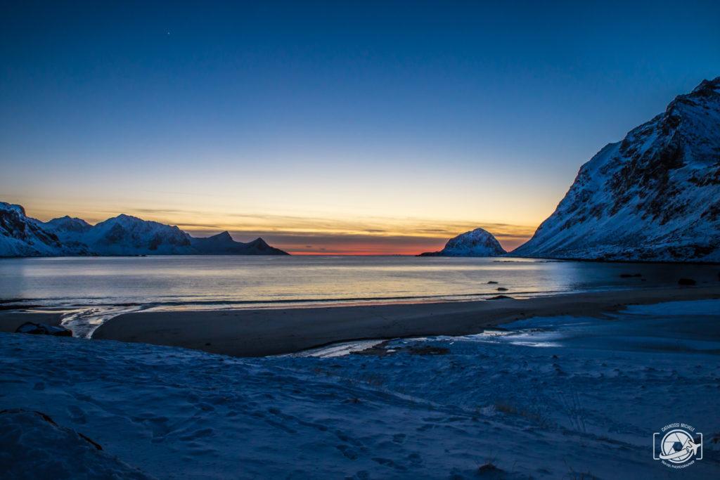Viaggiare da soli tramonto Oceano