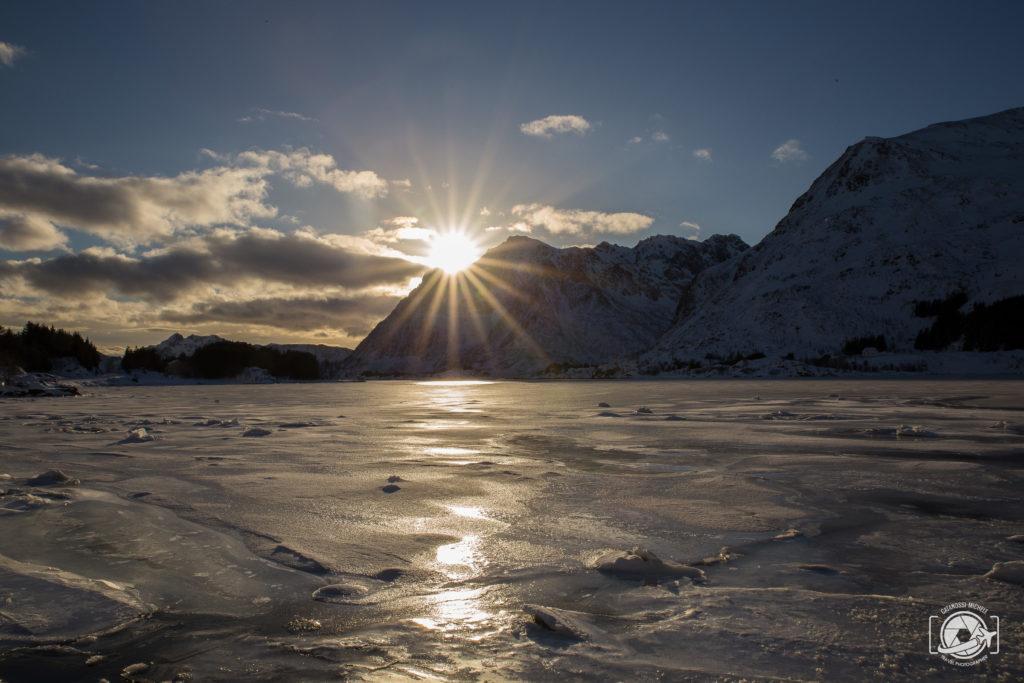 Viaggiare da soli Aurora alle Lofoten al Tramonto