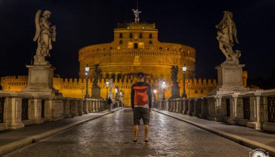 Viaggiare da soli Roma di Notte